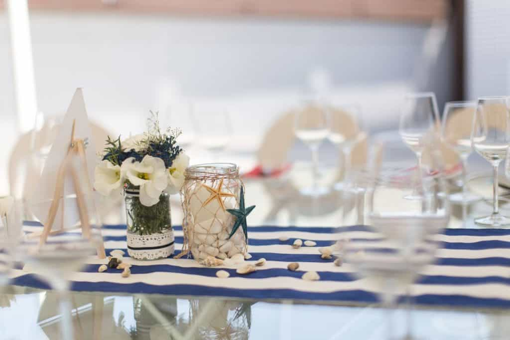 Nautical theme for dinning table